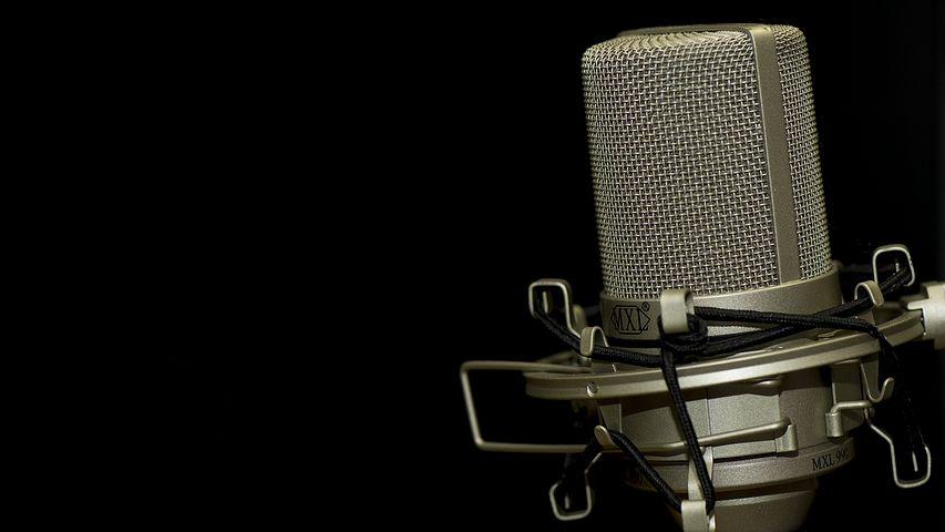 Praca w studenckiej rozgłośni radiowej